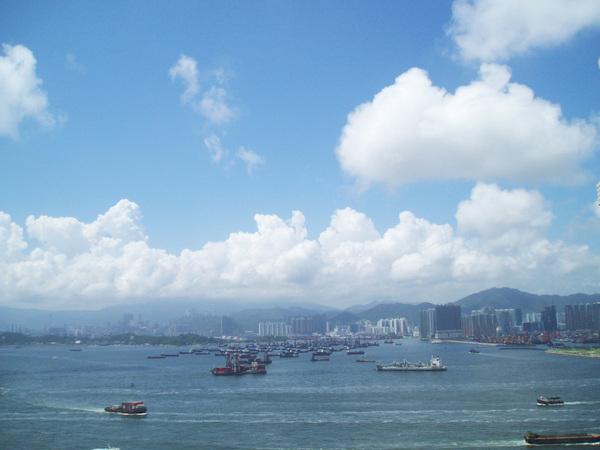 從小愛家的窗戶望出去,天天都能享受港口的美景