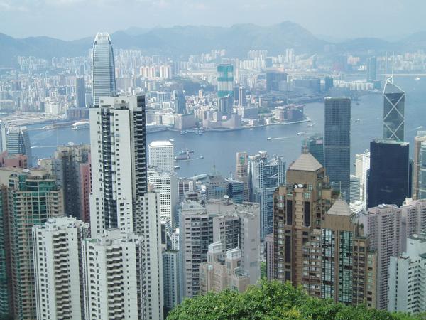 香港隨便一棟公寓就幾十層樓好嚇人