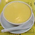 澳洲牛奶公司的另一招牌:杏汁燉蛋