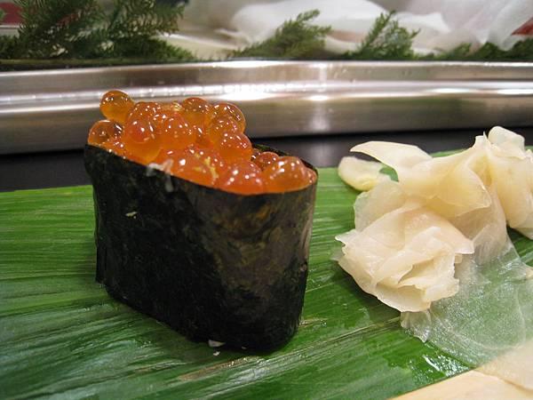 鮭魚卵很新鮮,可惜我怕鮭魚卵的鹹味