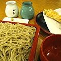 大白點了炸蝦天婦羅冷麵,麵選了深色的もり