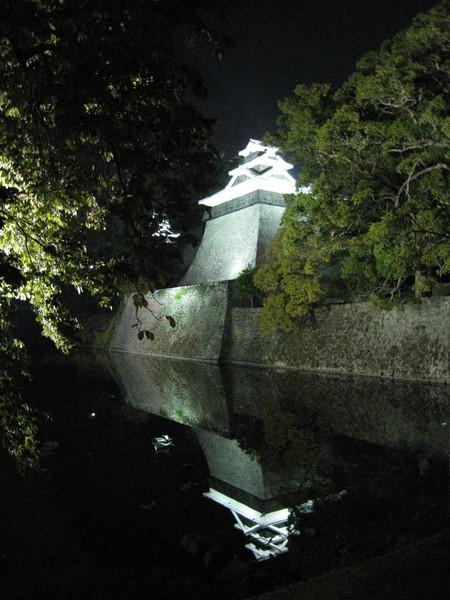 熊本城的河岸倒影美的不像話