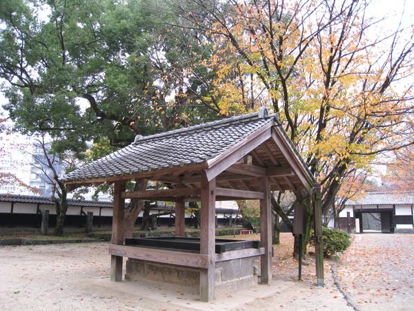 這是傳說中的某口有名的井,但因為我看不懂日文大白又懶得解釋,就跳過吧