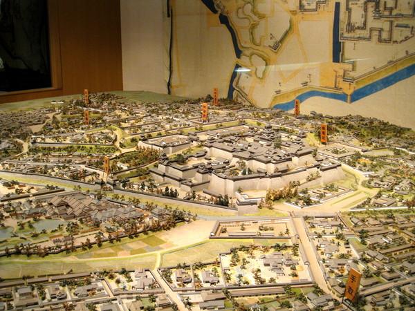加藤清正時代的熊本城周圍縮小模型,中間那座城就是我們現在所在位置