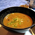 加了蟹肉和某種小型蕈菇的味增湯,讓人忘記餐廳外攝氏五度左右的氣溫