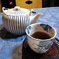 吃得有點飽,喘口氣喝杯茶吧