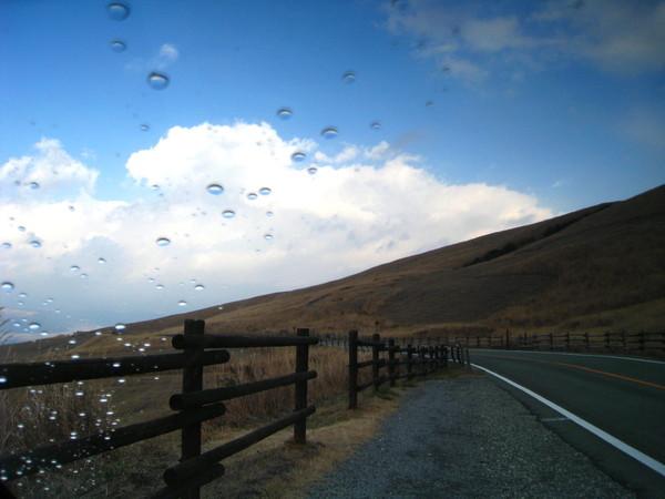 下山路上,天氣漸漸轉為晴朗