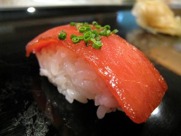 鮪魚很新鮮甜美