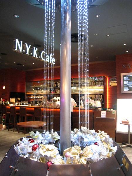 購物中心美食街走的是紐約風,漂亮的噴水池名叫Union Square(聯合廣場)