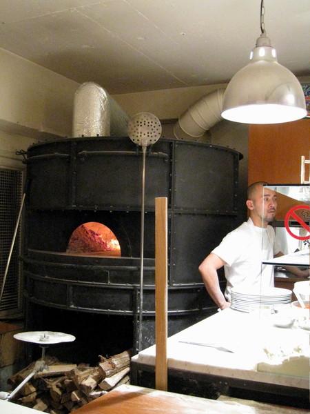 比薩的大型烤爐