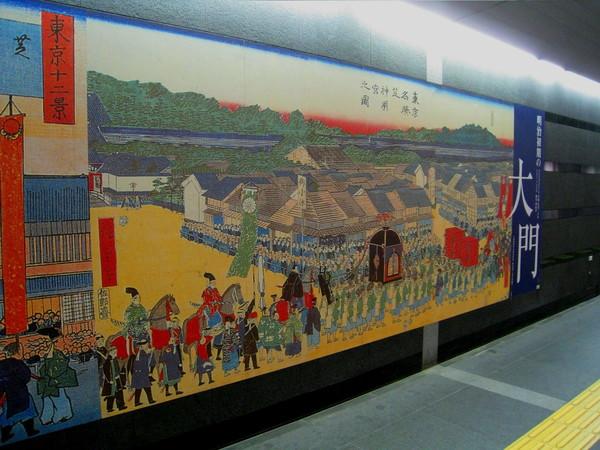 大門站內的長幅壁畫,描述大門相關的歷史故事和鄉土風情畫