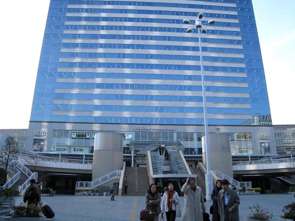 品川車站非常巨大,裡面有百貨商場、辦公大樓等設施