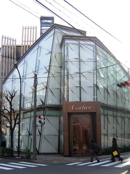 Cartier青山店的建築也很特別