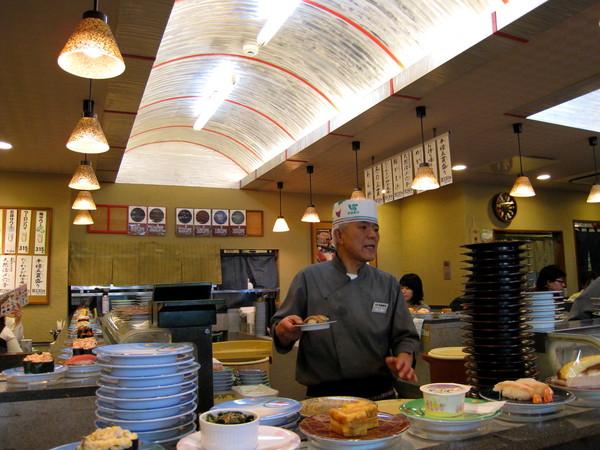 昨天才去過築地市場,今天竟然又吃迴轉壽司