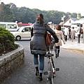 日本女生很神,穿高跟鞋照騎腳踏車