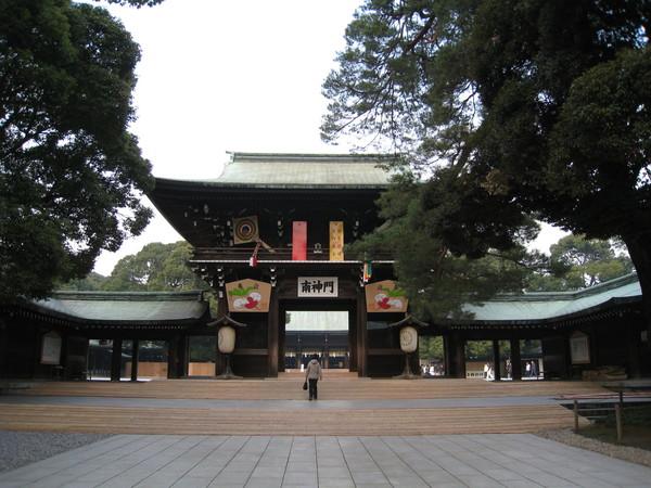 明治神宮的大門:南神門,日本是否也有「坐北朝南」的習俗?