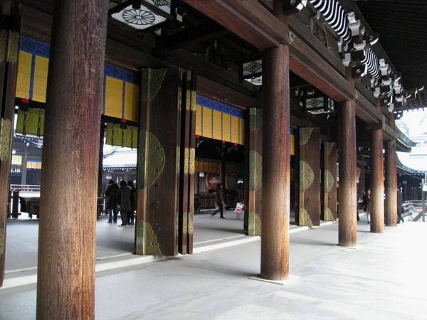 樑柱都是木頭的