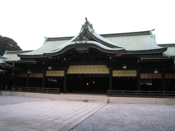 日本的神社和台灣的民間信仰寺廟不太一樣