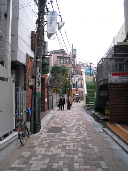 抄小巷衝去美髮沙龍「Bridge」,Bridge的照片在秋季東京相簿中有