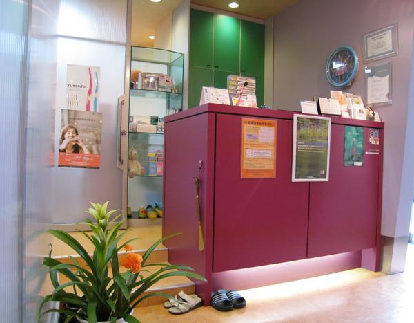 牙醫診所的診間要換上拖鞋才能入內,日本人真講究
