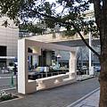 六本木Hills櫸樹坂道上的裝置藝術之一,「Arch」