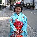 大白喃喃自語:小壽司穿和服也會這麼可愛吧