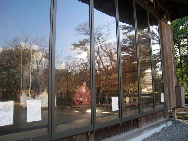 傳承熊本傳統音樂文化的「能樂殿」,裡面有假人展示