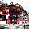 我很喜歡日本神社的建築造型,路過總會進去拍照