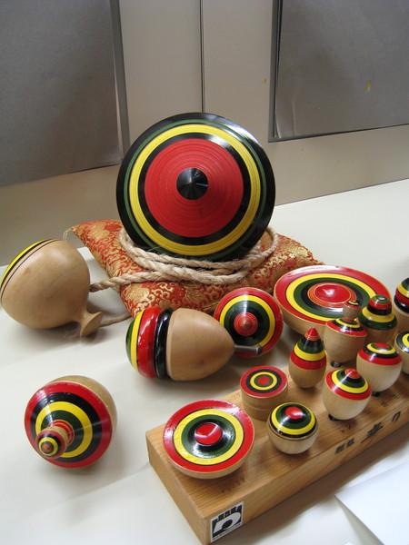 日本人也玩陀螺