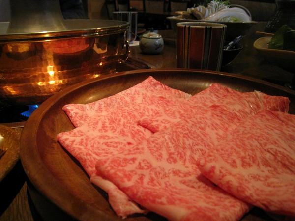 傳說中的仙台牛肉一人份,瞧那油花多美啊