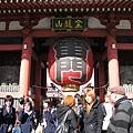 旅客來日本一定要合影的「雷門」巨型燈籠