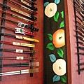 大白嚷著想買雙漂亮的筷子,但終究只是說說而已