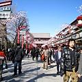 週四下午,淺草寺的觀光客還是很多,週末應該很可怕吧