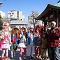 巧遇一群大方讓觀光客拍照的視覺系日本小朋友