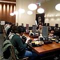 平田牧場的顧客,多半都是家庭或情侶組合,很大眾化的餐廳