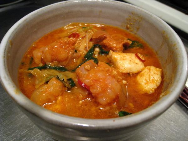 隔天的午餐和晚餐也是辣大腸鍋,連吃三餐超快活,謝謝小向!
