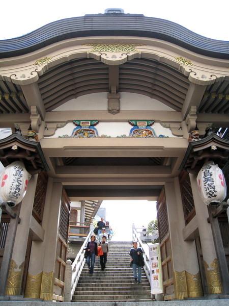 湯島天滿宮是離日本第一學府東京大學最近的神社