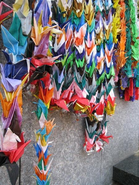 我最愛拍色彩斑斕的千羽鶴