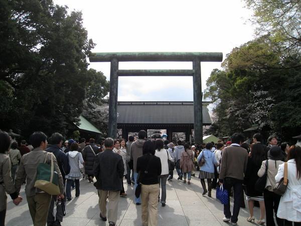 因為時間還早,順便拜訪千鳥之淵附近的靖國神社
