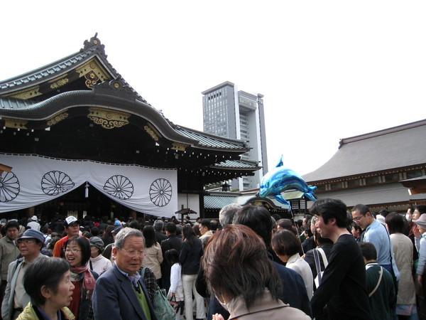 靖國神社供奉的是二次大戰日本陣亡將士,爭議性頗高