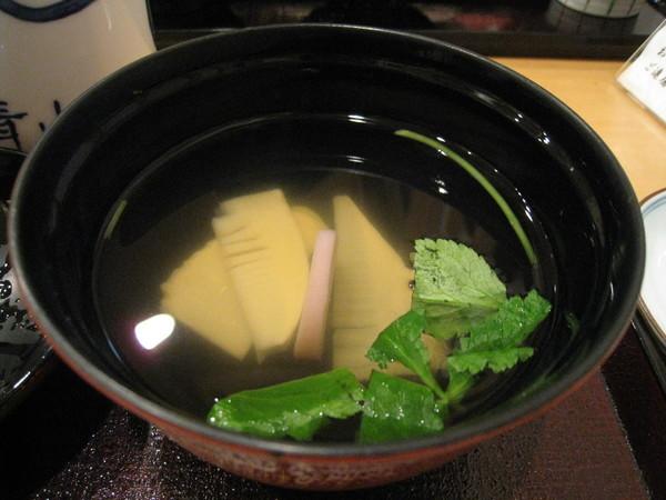 附餐的清湯很好喝