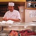 深深覺得壽司大的師傅非常樂在工作,永遠滿面笑容跟客人談笑