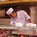 搞笑的師傅突然找不到某一種魚肉,把冰櫃翻遍了