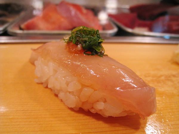 第七道,鰆(さわら,Sawara)握壽司,春天正是品嚐鰆的好季節