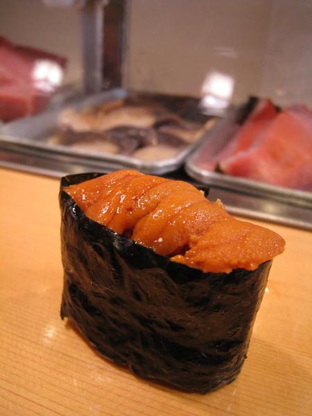 第十一道:最後可以自選一種壽司,我選了最愛的海膽