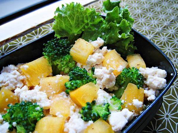 甜柿花椰拌豆腐