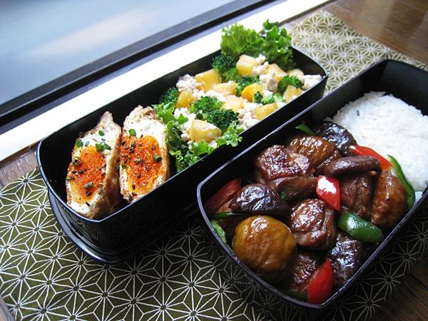 愛妻便當圖解第十四發:栗子燒雞、半熟蛋豆皮福袋、甜柿花椰拌豆腐