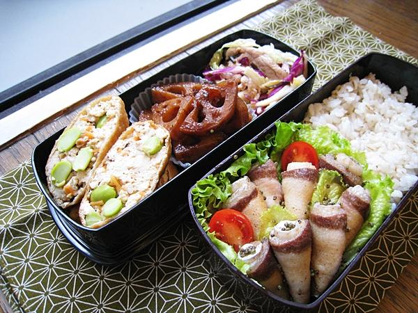 愛妻便當圖解第25發:柚香煎魚捲、味噌豆腐毛豆福袋、柴魚梅味蓮藕、鹽昆布豬肉白菜沙拉