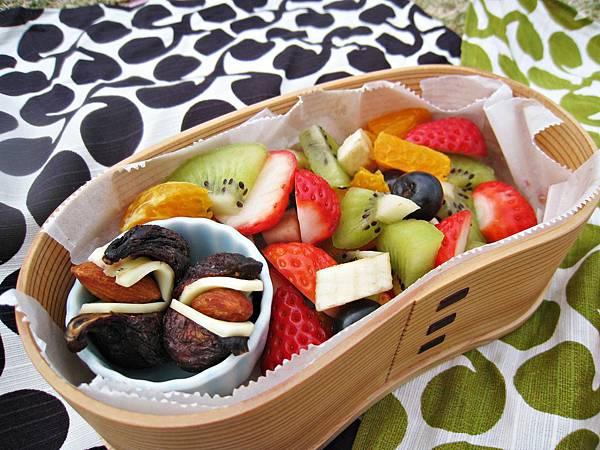 水果沙拉&無花果乾夾起司杏仁