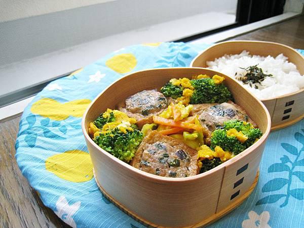 油豆腐鑲肉、南瓜胡蘿蔔泡菜、金沙綠花椰